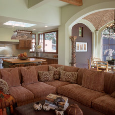 Traditional Family Room by Susan Cohen Associates, Inc.
