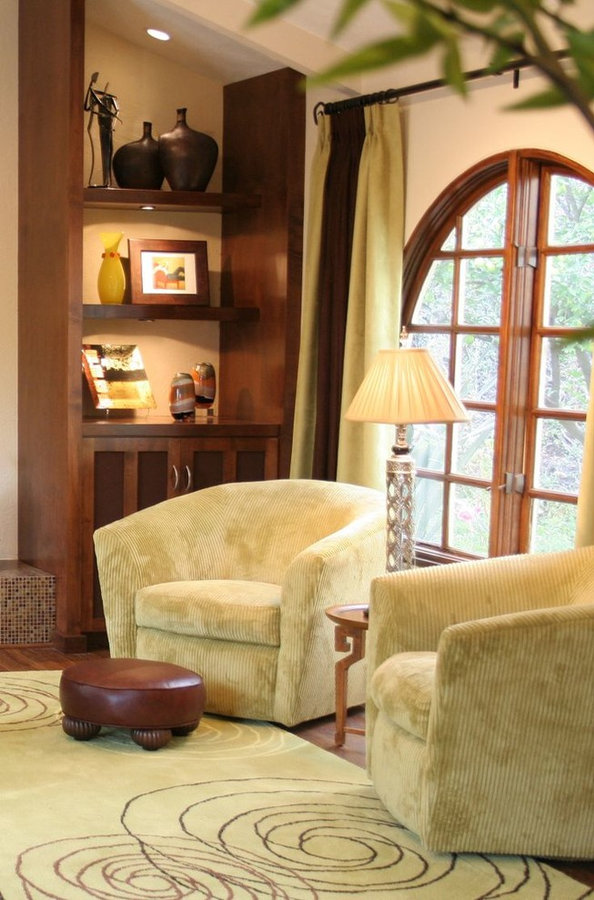 SWIVEL CHAIRS IN COZY CORNER