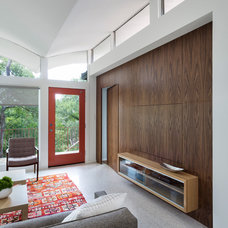 Midcentury Family Room by Rick & Cindy Black Architects