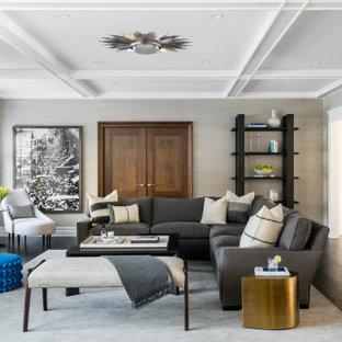 Foto di un soggiorno classico con pareti beige, cornice del camino in pietra, TV a parete, parquet scuro, camino lineare Ribbon, pavimento marrone e carta da parati