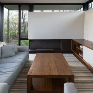 Terraced House - Elm Grove - Modern Living Room with Concrete Walls