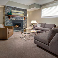 Transitional Family Room by Infiniti Master Builder