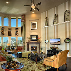 Traditional Family Room by Meritage Homes