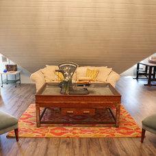 Farmhouse Family Room by Magnolia Homes