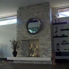 Modern Family Room by Charles Todd Helton, Architect
