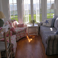 Eclectic Family Room The Little House on Cape Cod/Becky Harris