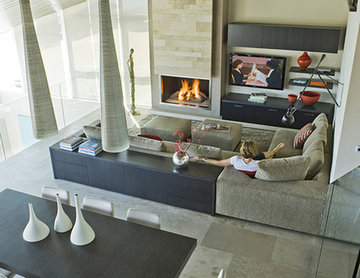 Three Arch Bay Residence - family room