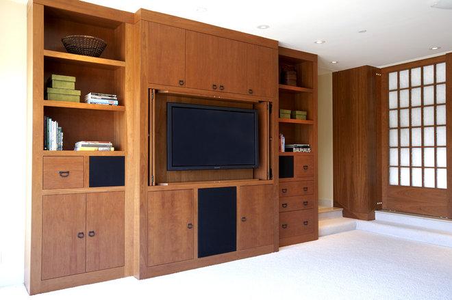 Asian Family Room by Mahoney Architects & Interiors