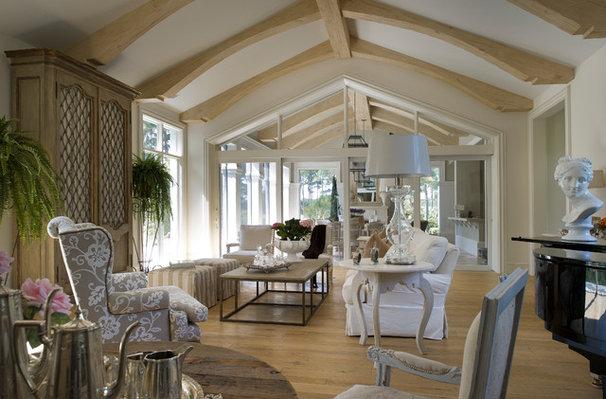 Traditional Family Room by YAWN design studio, inc. FL IB 26000604