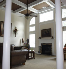 traditional family room by Grainda Builders, Inc.