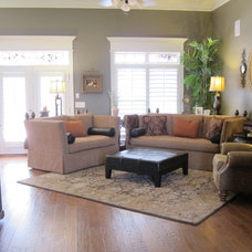 traditional family room Karen N. Leverette