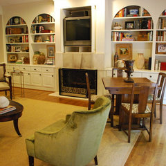 traditional family room by Mandi Smith T
