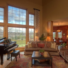 Traditional Family Room by Suzan J Designs - Decorating Den Interiors