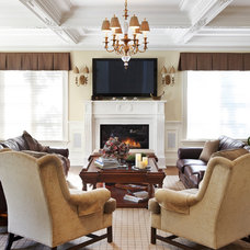 Traditional Family Room by PAULINA'S INTERIOR DESIGN