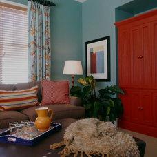 Transitional Family Room by Jennifer Hulse Design