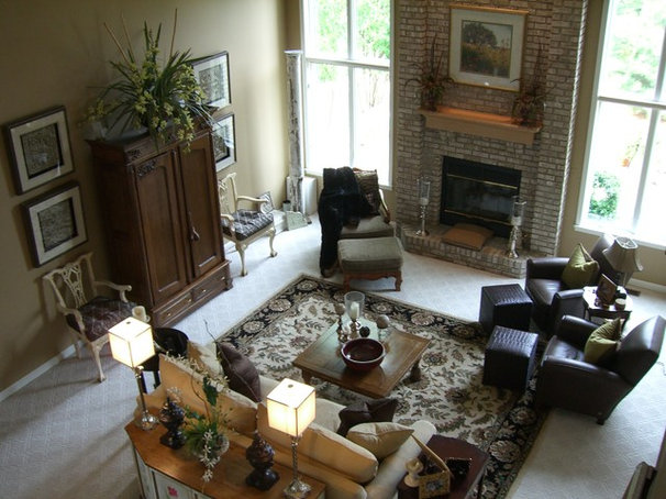 Traditional Family Room by Cindi B.Jones