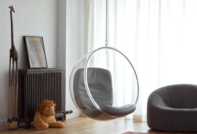Modern Family Room by Warren Red