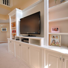 Family Room by Home Trimwork