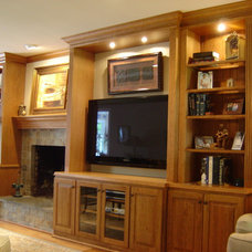 Traditional Family Room by Master Plan Interiors, Inc.