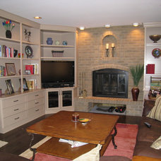 Traditional Family Room by Wow Great Place