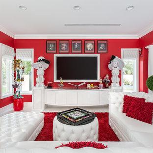 Ispirazione per un soggiorno eclettico di medie dimensioni e chiuso con pareti rosse, pavimento in gres porcellanato, nessun camino, parete attrezzata e pavimento bianco