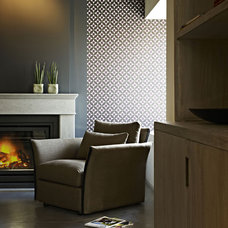 Contemporary Family Room by Thicaro
