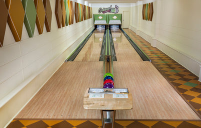 Dream Spaces: Midcentury Bowling Lanes Roll On in Minnesota