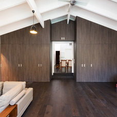 Contemporary Family Room by Statkus Architecture Pty Ltd