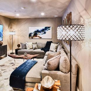 Großes, Offenes Modernes Wohnzimmer ohne Kamin mit brauner Wandfarbe, Wand-TV, beigem Boden und Linoleum in Baltimore