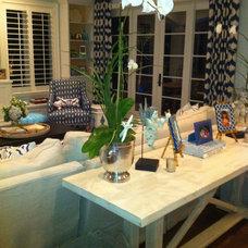Beach Style Family Room by Decor Dose LLC