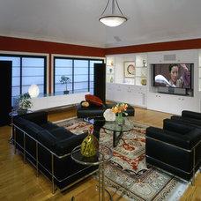 Modern Family Room by Susie Johnson Interior Design, Inc.