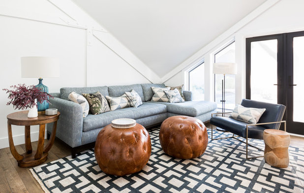 Beach Style Family Room by BRIAN PAQUETTE INTERIORS
