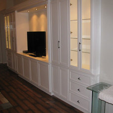 Traditional Family Room by D and J Furnitures