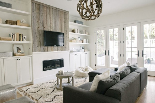 Beach Style Family Room By DesignDot