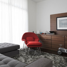 Modern Family Room by Altius Architecture, Inc.