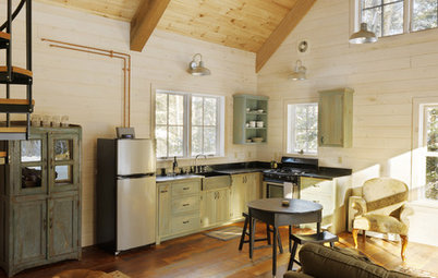 Houzz Tour: Cozy Vermont Cabin Blanketed in Charm