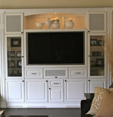 traditional media room by CustomBuilt-ins.com / CFM Company Inc.
