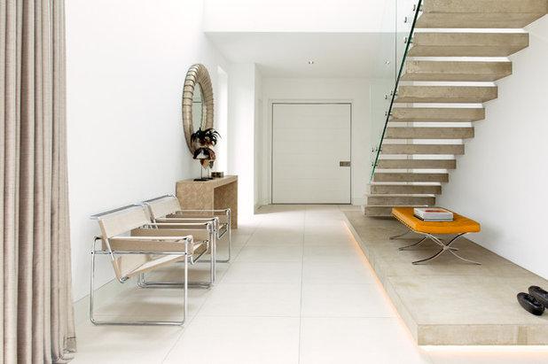 Moderne Couloir by Vicky Hellmann Interiors
