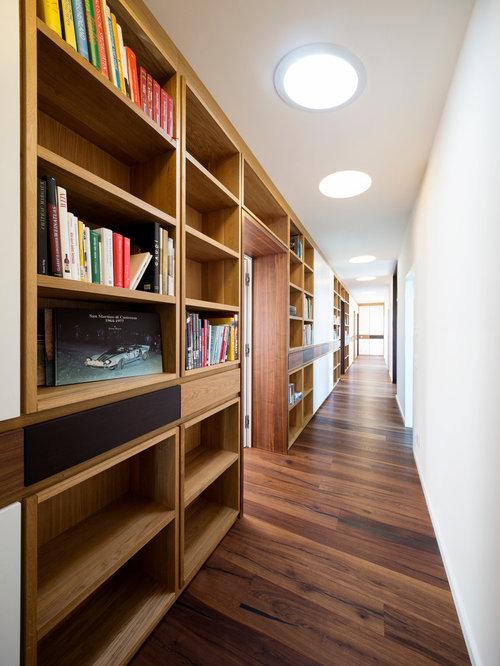 Коридор-библиотека узкие проходные коридоры уместно оборудов.