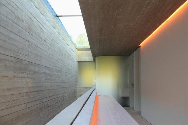 linestra ber die zeitlose magie einer leuchte. Black Bedroom Furniture Sets. Home Design Ideas