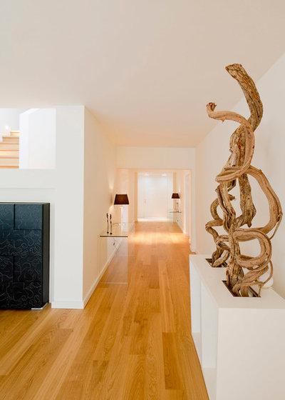 Modern Flur by Ferreira | Verfürth Architekten