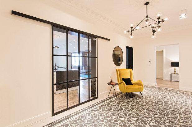 Klassisch modern Flur by Arzu Kartal Interior Design