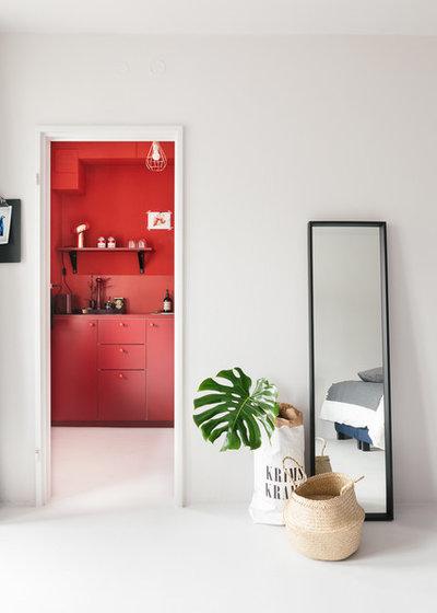 Vorher-Nachher: Berliner Low-Budget-Renovierung mit roter Küche
