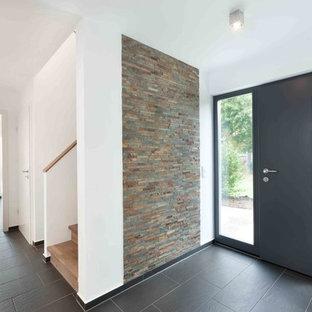 Couloir avec un sol en carrelage de céramique Stuttgart : Photos et ...