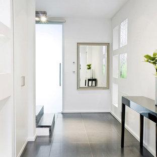 Moderner Flur Mit Betonboden Ideen Design Bilder Houzz