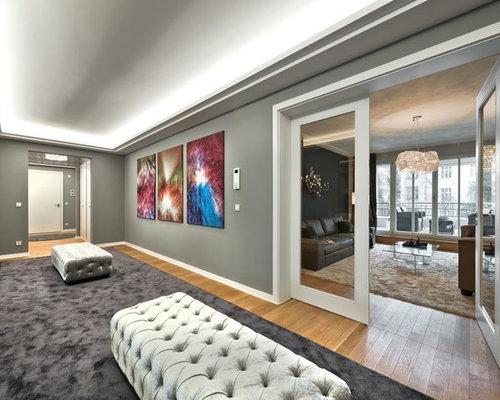 moderner flur mit grauer wandfarbe design ideen bilder. Black Bedroom Furniture Sets. Home Design Ideas
