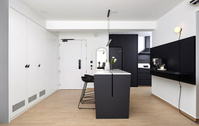 Houzz Tour: Black-and-White is Not Boring in This Slick 4-Room Flat