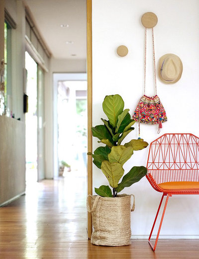 Contemporary Entrance by Lottie is Loving
