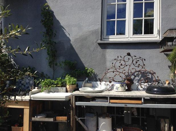 Gårdhave by Livingplus Interiør