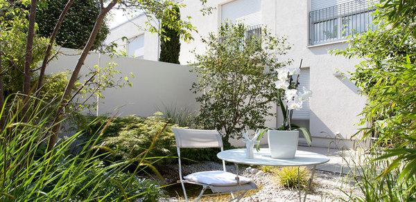 Gartenbesuch Ein Gruner Hinterhof Garten Zum Entspannen